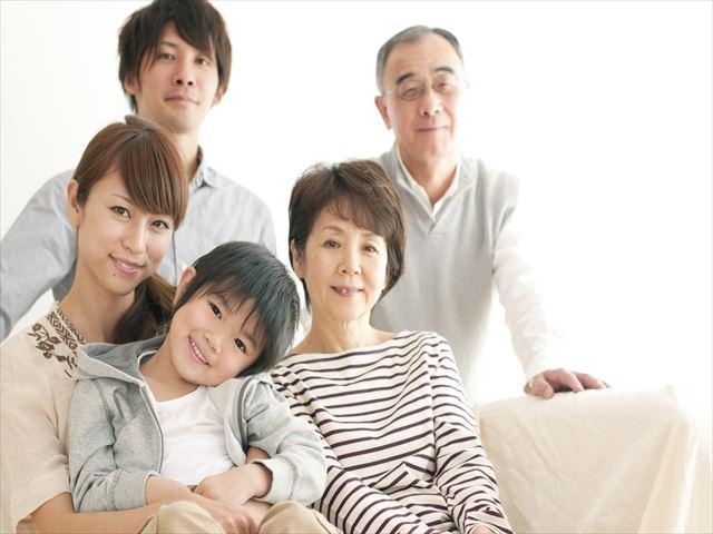 家族で利用するのにお得な格安SIMはどこ?